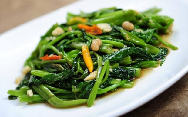เมนูอาหารจากผักบุ้ง 2