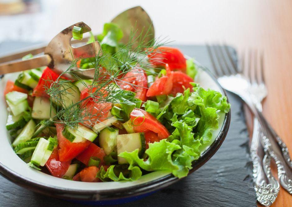 สลัดผักผลไม้น้ำใส